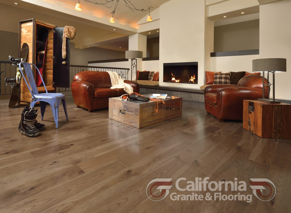 hardwood-flooring-hickory-savanna-character-smooth-herringbone-1