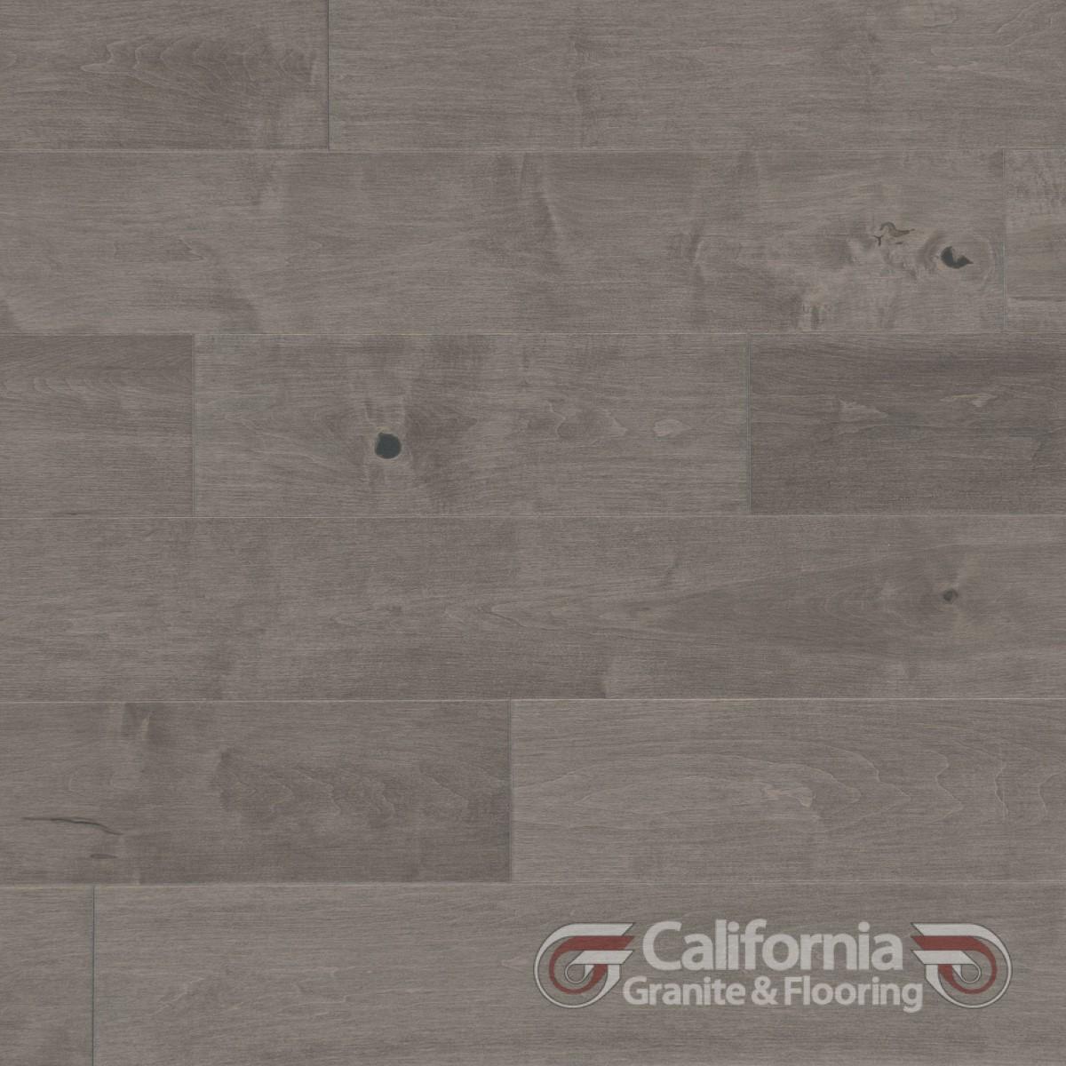 hardwood-flooring-maple-peppermint-character-smooth-herringbone-2