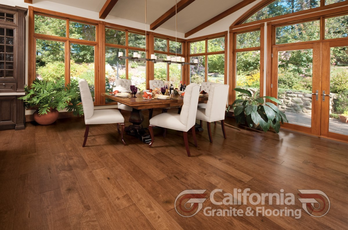 hardwood-flooring-maple-praline-character-smooth-1