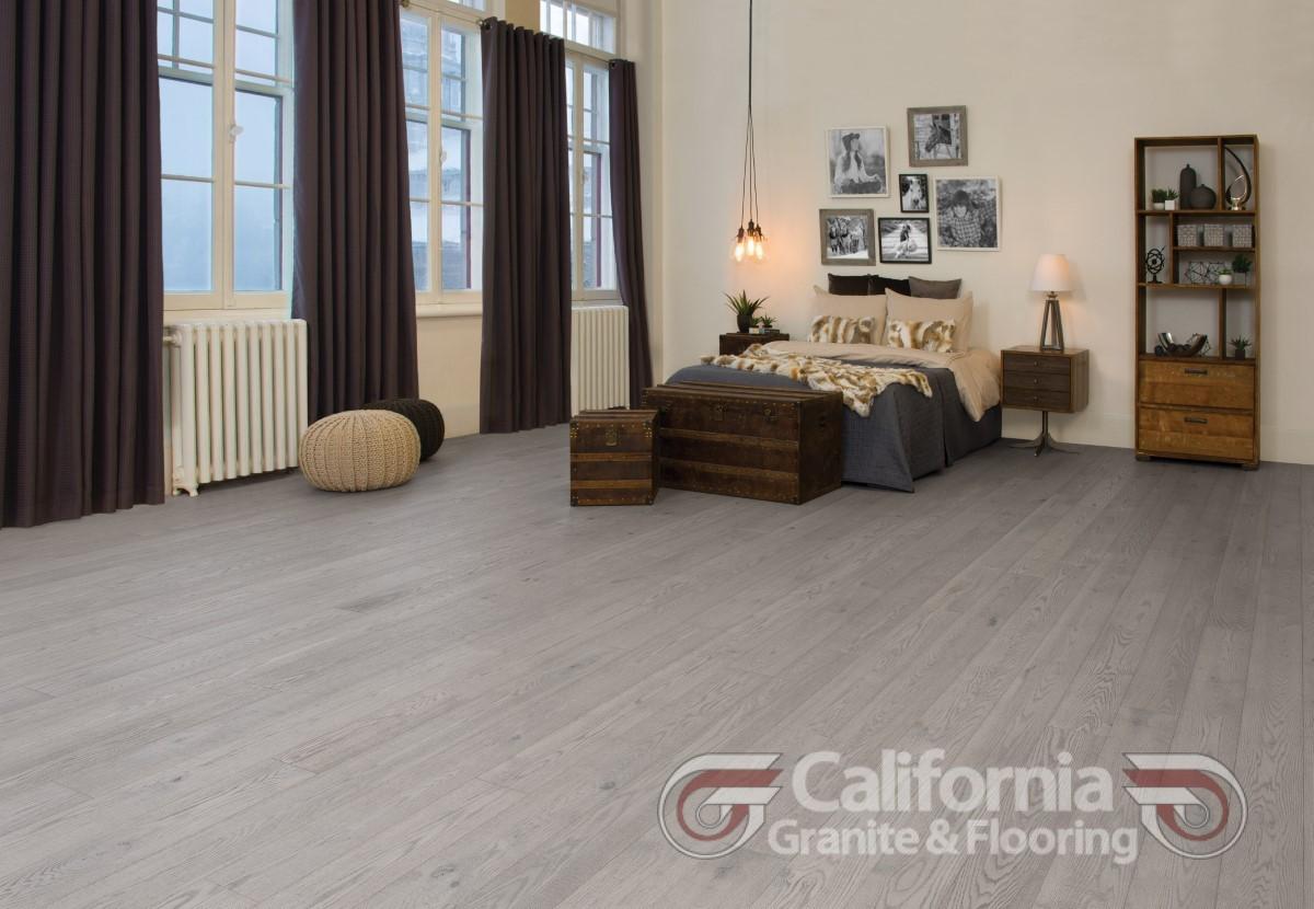 hardwood-flooring-red-oak-driftwood-character-cork-look-1