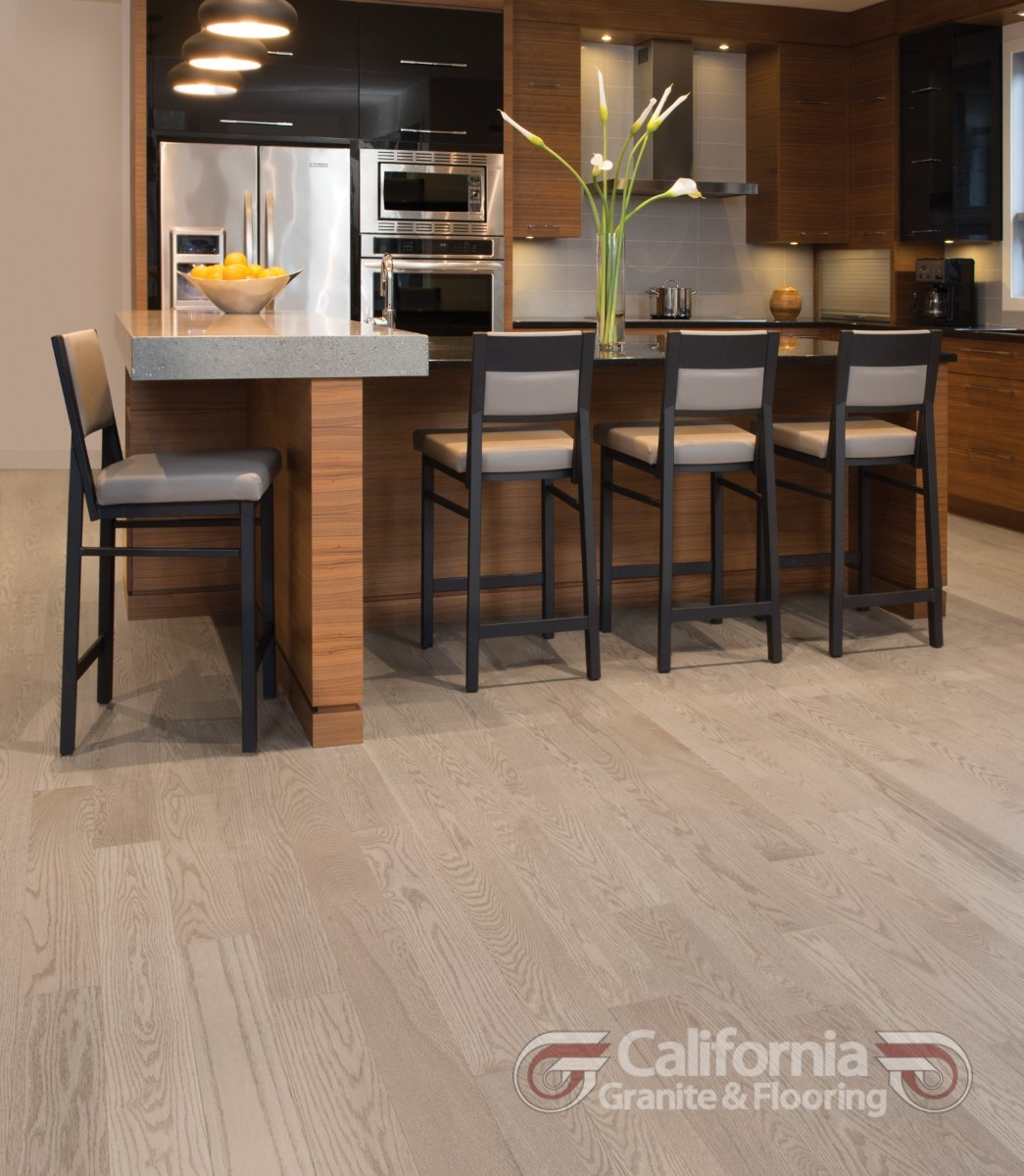 hardwood-flooring-red-oak-rio-exclusive-smooth-1