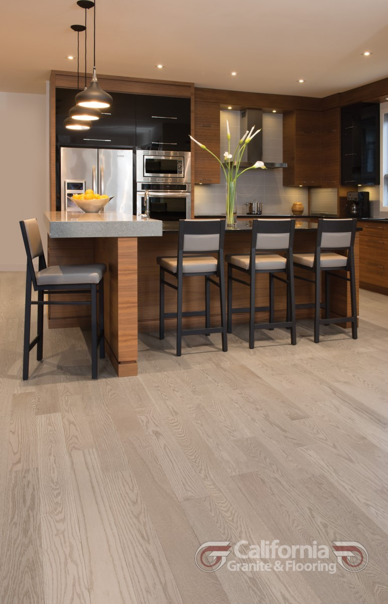 hardwood-flooring-red-oak-rio-exclusive-smooth-herringbone-1