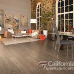 hardwood-flooring-red-oak-tree-house-character-brushed-1