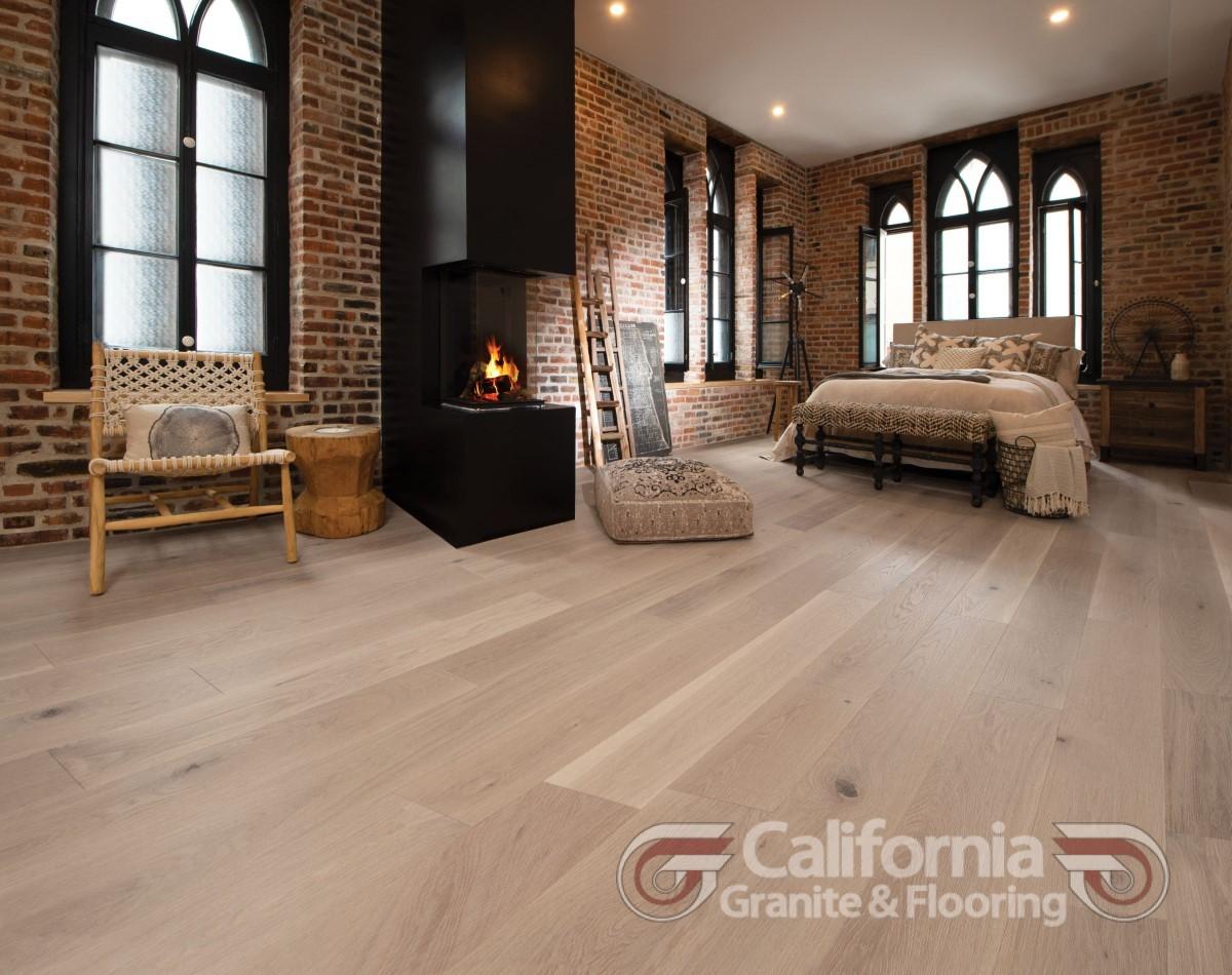 hardwood-flooring-white-oak-carousel-character-brushed-1