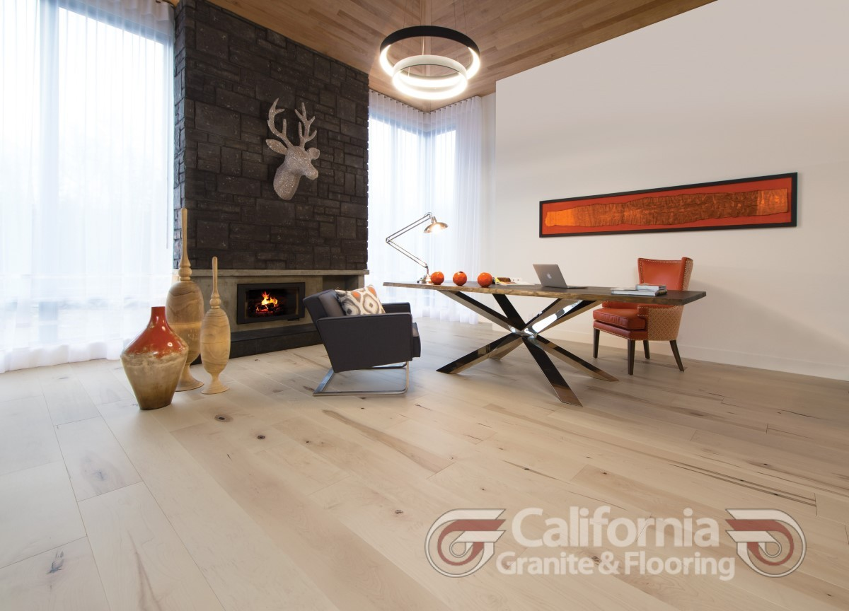 hardwood-flooring-white-oak-white-mist-character-brushed-1